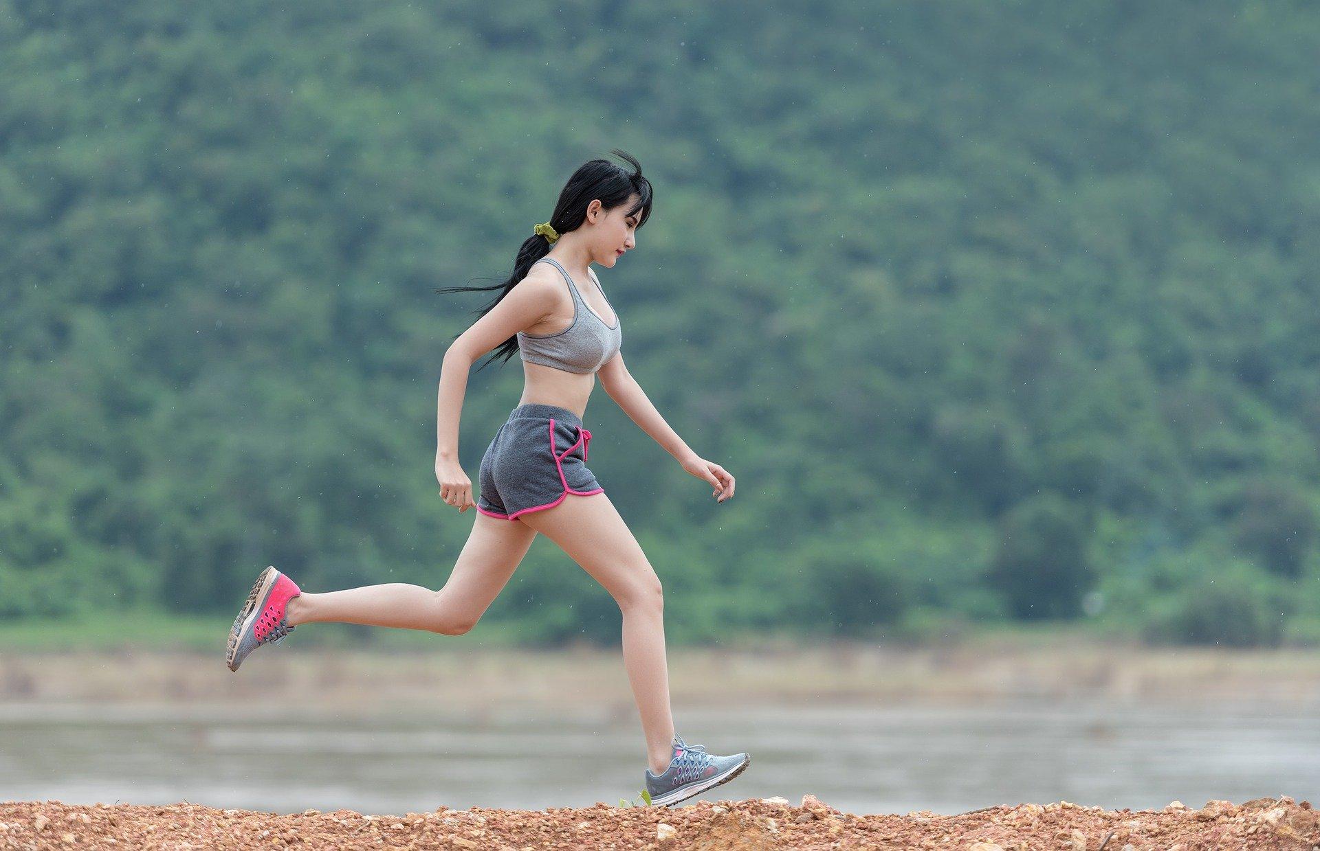 Trening jelita u biegaczy- jak przebiec trasę bez wizyty w toalecie?